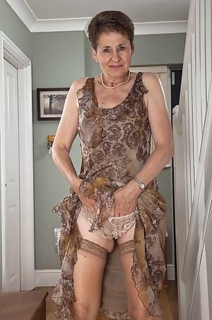 Free Moms Panties Porn Pictures