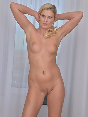 Free Moms Trimmed Pussy Porn Pictures
